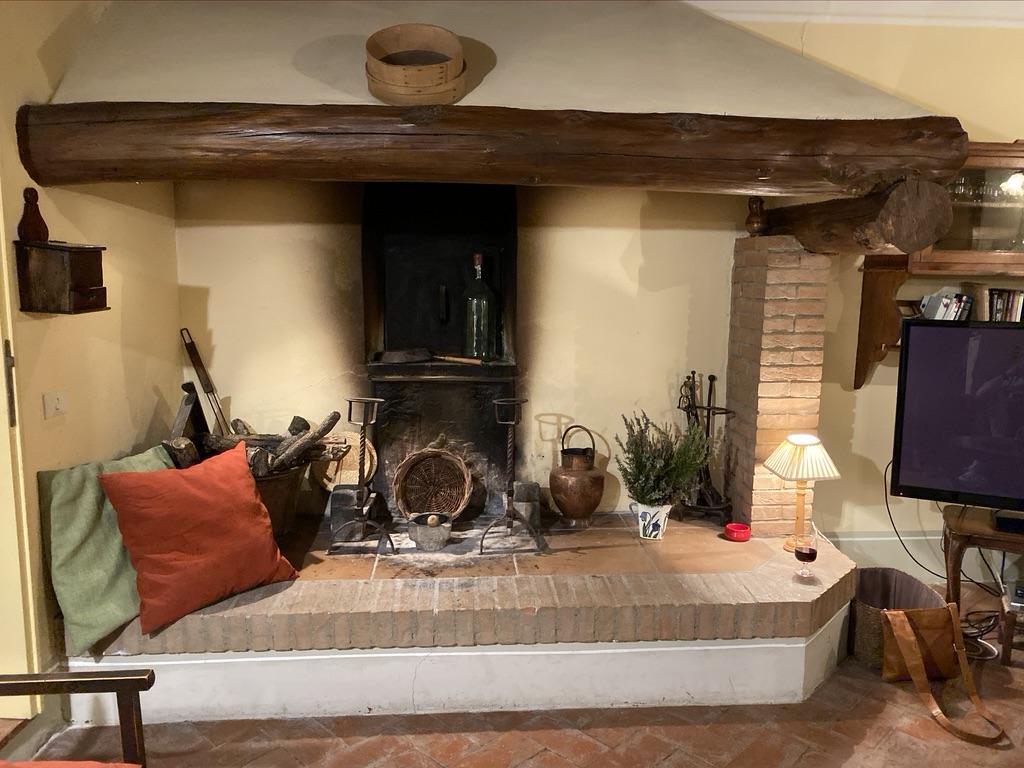 Impruneta Via di Fabbiolle fireplace